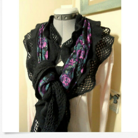 Unbranded Accessories Crochet Ruffled Scarf Black Purple Floral